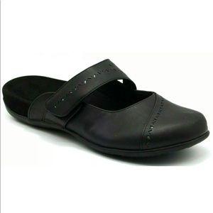 EUC Vionic Womens Twain Slip on Adjustable Sandal